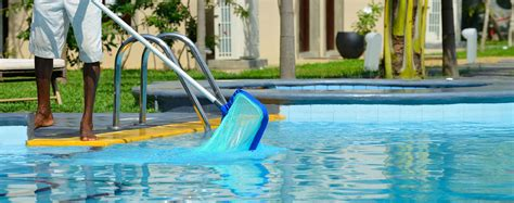 Pool Cleaning Service In Pinellas County