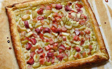 tarte rhubarbe pate feuilletee recette de tarte 224 la rhubarbe par alain ducasse