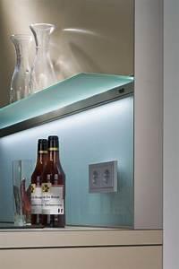 Küchenrückwand Glas Beleuchtet : pastellblauer einfarbiger spritzschutz aus glas k che ~ Frokenaadalensverden.com Haus und Dekorationen