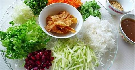 Anyone who shops at hammertown can see stacks of his cookbooks. vegetarian yee sang - recipes - Tasty Query
