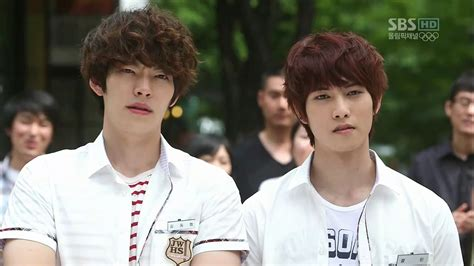 cnblues lee jong hyun   work  kim woo bin soompi