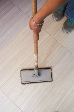 4 ways to clean grout between floor tiles how to clean tile floor grout 13 tips free printable 4 way