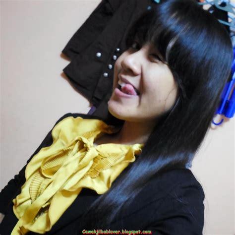 foto sekretaris muda cantik memakai hijab jilbab kantor kumpulan foto cewek cantik berjilbab