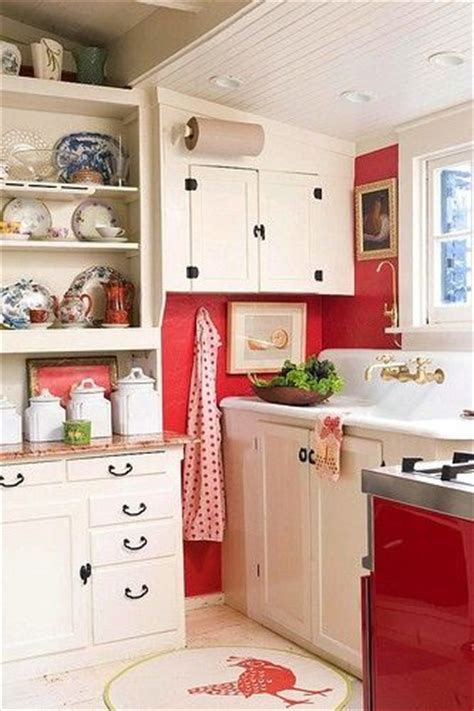 small cottage kitchen 25 best ideas about small cottage kitchen on 2334