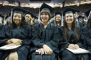 University of Iowa graduates to celebrate commencement ...