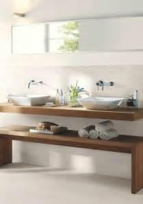 ausgefallene schlafzimmer waschtisch aus holz für mehr gemütlichkeit im bad