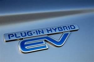 4x4 Hybride Rechargeable : essai de l 39 outlander phev le suv hybride rechargeable de mitsubishi l 39 argus ~ Gottalentnigeria.com Avis de Voitures