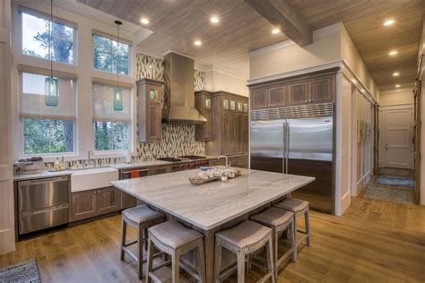 Homes With ?Subway Tiles? or ?Barn Doors? Sell Faster and