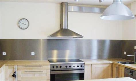 plaque mur cuisine plaque adhesive inox cuisine maison design bahbe com