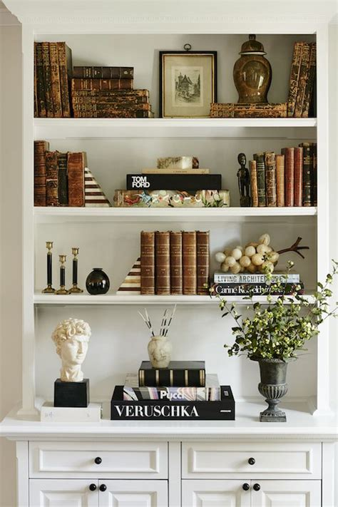 Decorating Ideas Bookshelves by 204 Best Styling Bookshelves Images On 3 Shelf