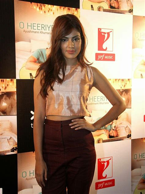 High Quality Bollywood Celebrity Pictures Rhea