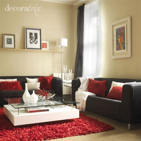 como decorar   sofa negro