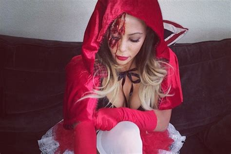 years sydney leroux halloween costume  red