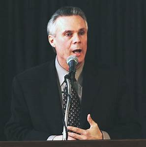 Bo Ryan Photo File: His introductory news conference at UW ...