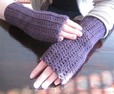 crochet fingerless gloves the crafty novice diy crochet fingerless gloves