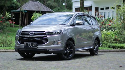 Toyota Venturer Modification by Eksterior Toyota Innova Venturer