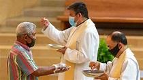 Should Pastors Wear Masks During Communion?