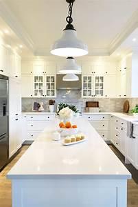 beautiful cuisine marbre bois pictures design trends With meuble a chaussures en bois massif 9 ilot central de cuisine en bois et marbre longueur 145cm