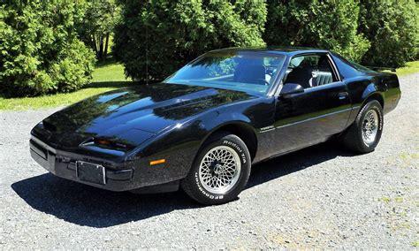 1986 Pontiac Firebird 305 V8 Start Up, Tour And Review