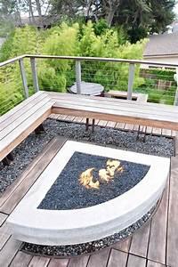 Terrasse Bauen Beton : dreieckige feuerstelle aus beton und eck sitzbank holz terasse eine hinterhof bauen outdoor ~ Orissabook.com Haus und Dekorationen