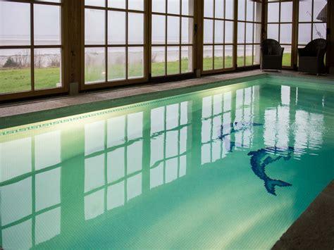 hotel piscine interieure normandie piscine int 233 rieure vue mer 224 honfleur en normandie