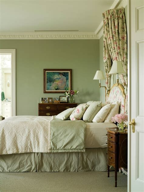 25 best ideas about green bedroom paint on