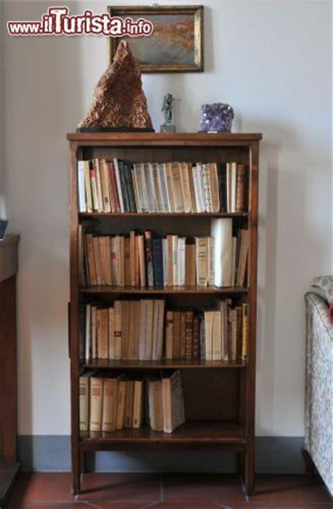piccola libreria una piccola libreria a casa a cesenatico