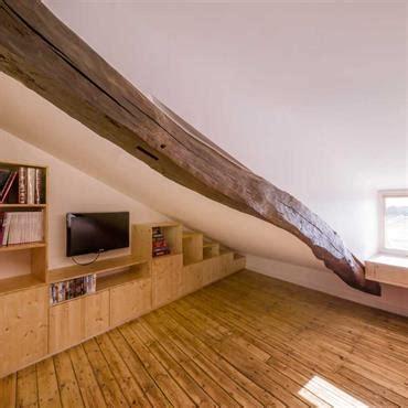 peinture grise chambre combles idée décoration combles et aménagement domozoom