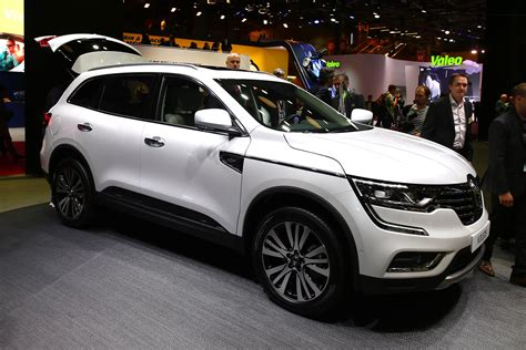 The renault koleos is a compact crossover suv which was first presented as a concept car at the geneva motor show in 2000, and then again in 2006 at the paris motor show, by the french manufacturer renault. RENAULT PREMIERE OF ALL-NEW KOLEOS AND KOLEOS INITIALE ...