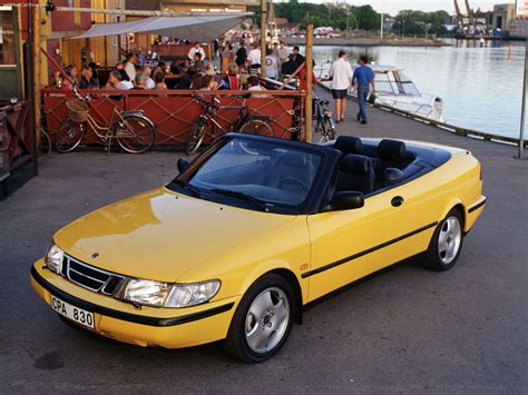 Saab 900 Convertible (1998) - picture 4 of 16