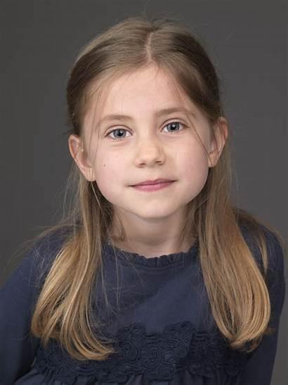 Buttercupagency Amelia Calder