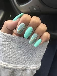 chrome and nile green nails gel nail designs green