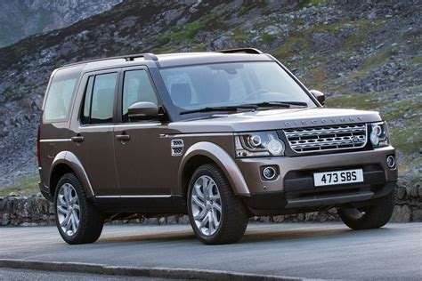 land rover discovery review   august