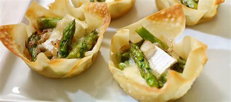 cuisiner asperges tartelettes wonton aux asperges et au brie recette