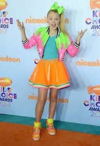 JoJo Siwa: 2017 Nickelodeon Kids Choice Awards -05 - GotCeleb