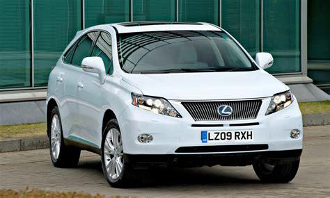 Lexus Announces Class Leading Emissions And Fuel Economy
