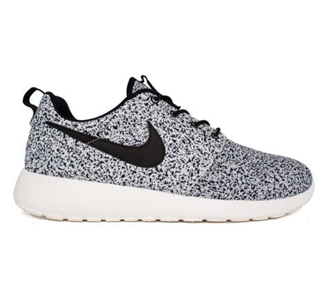 nike roshe run flower black clearance womens nike roshe run black sail speckle black