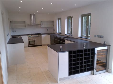High Gloss White And Black Modern Kitchen With Handless