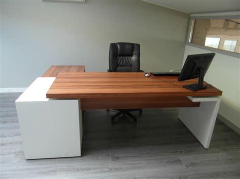à mon bureau mon bureau sur mesure adapté à mon petit espace
