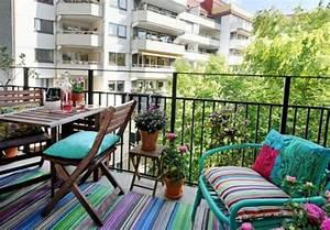 balkon bepflanzen praktische tipps und wichtige hinweise With balkon teppich mit bunt gestreifte tapete