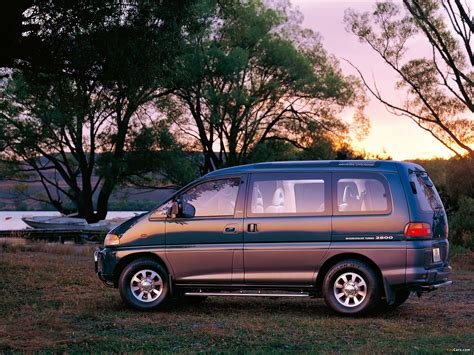 Mitsubishi Delica Wallpapers by Mitsubishi Delica Space Gear 4wd 1994 97 Wallpapers