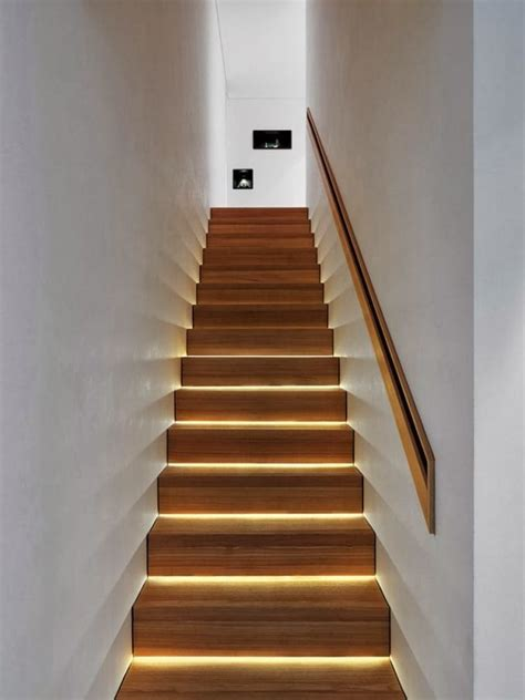 les 25 meilleures id 233 es de la cat 233 gorie 201 clairage d escalier sur l 233 clairage de l