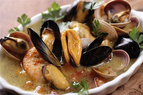spécialité marseillaise cuisine spécialités culinaires en région paca castels