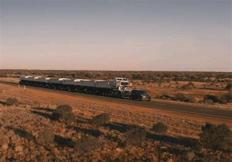 discovery tows  tonne road train wheels