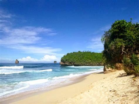 tempat wisata  jawa timur wisata pantai goa china