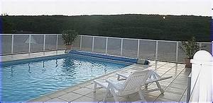 Barriere Protection Piscine : paplouf barriere piscine cloture piscine securite piscine protection piscine piscine securite ~ Melissatoandfro.com Idées de Décoration
