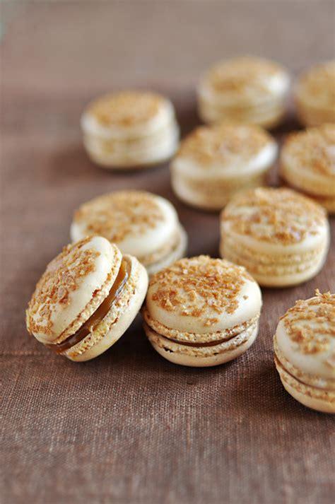 macaron hervé cuisine macarons au caramel au beurre salé recette de cuisine