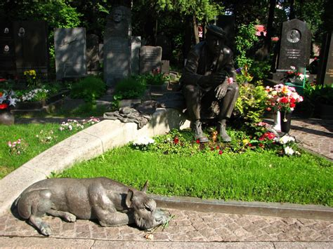 novodevichy cemetery moscow russia departful