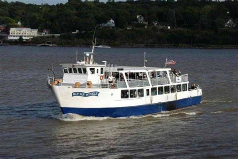 Boat Cruise On Hudson River by 5 Things To Do In The Hudson Valley In The Fall