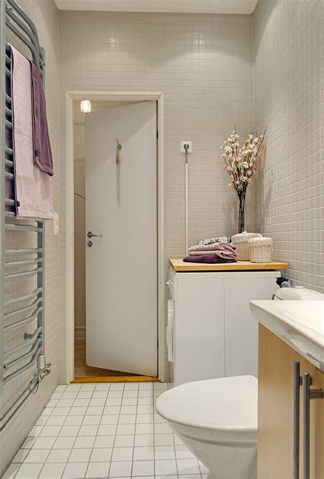 Modern Bathroom Door Ideas by Modern Minimalist Apartment Bathroom Interior Design With